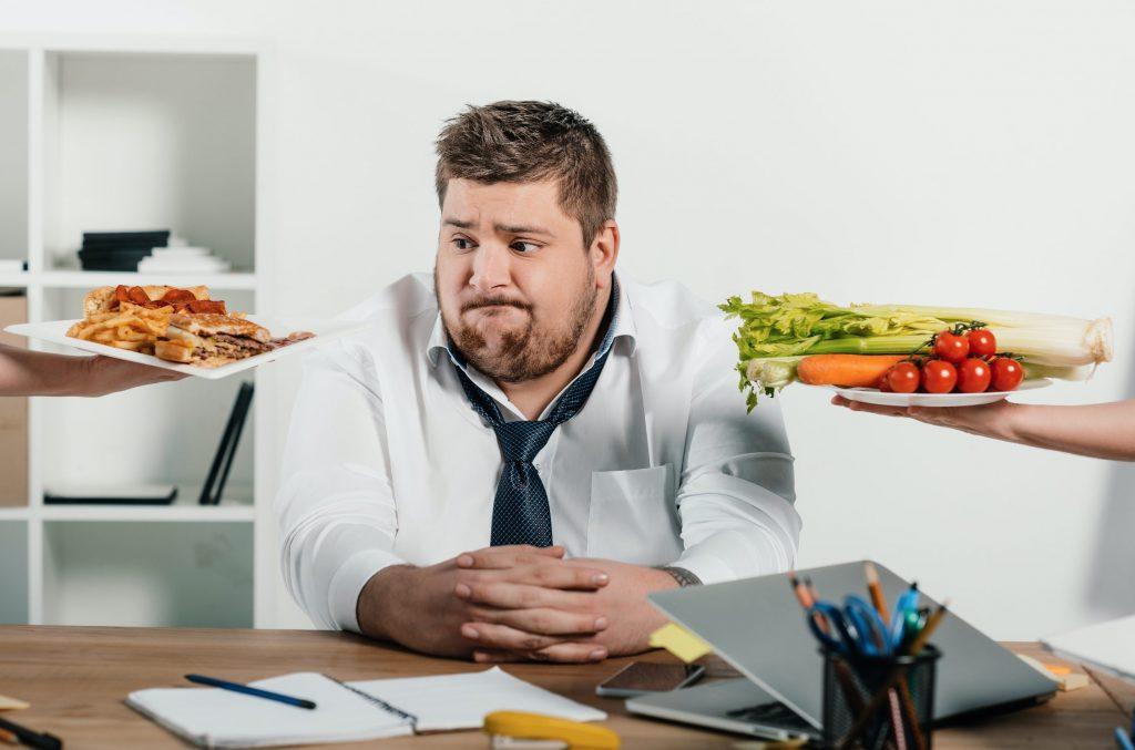 أطعمة عليك تجنبها بعد جراحات السمنة
