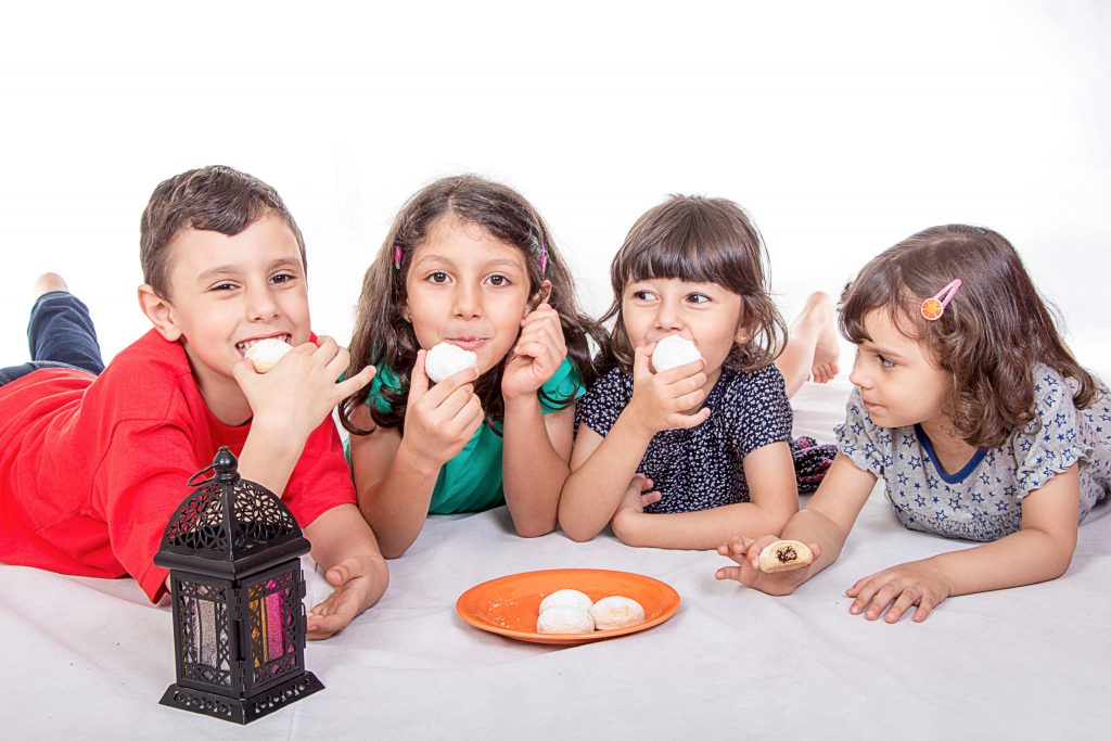 ١١ نصيحة لكبح الشهية عن الحلويات في العيد
